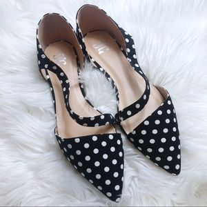 NWOB Journee Collection Polka Dot Strap Point Flat
